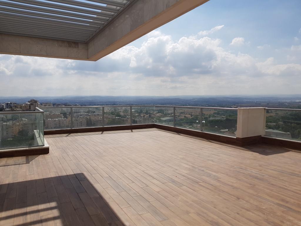 פנטהאוס 5 חדרים מהמם עם נוף פנורמי עוצר נשימה